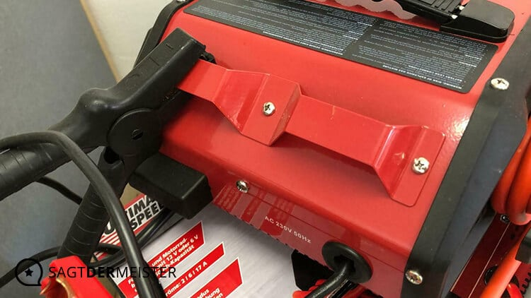 ULTIMATE SPEED Ladegerät Ladekabelhalter